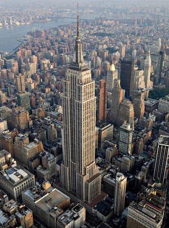 Empire State Building, by Flickr/Sam Valadi